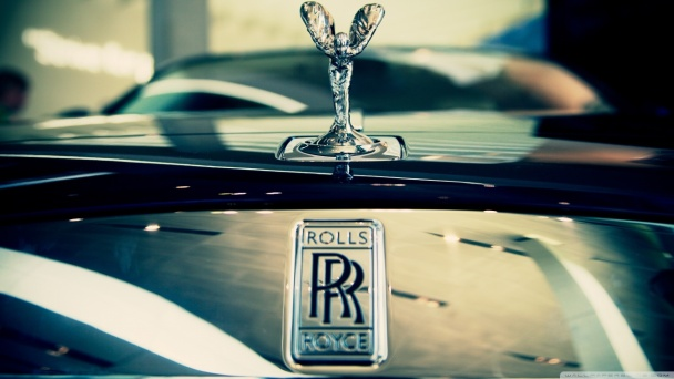 a_luxury_car-wallpaper-1280x720